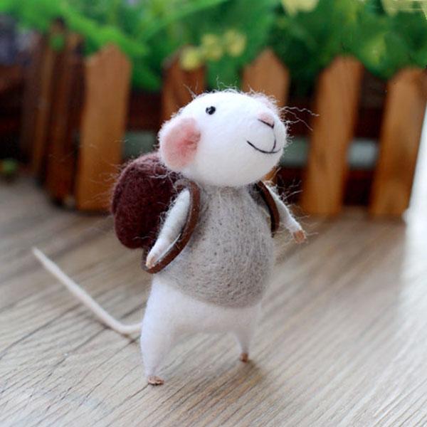 羊毛毡手工diy产品-可爱呆萌的精灵鼠小弟背着书包上学