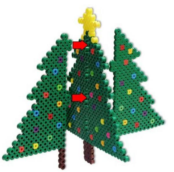 少了什么都不能够少了烘托气氛的圣诞树,要知道因为有了圣诞树的存在,圣诞节的气氛本身才浓郁了许多,所以有了圣诞树才能够有圣诞节那种幸福和美妙的感觉。今天小编给大家分享的创意拼豆DIY手工制作立体美丽圣诞树可以让你轻松的制作出各种你喜欢的圣诞树来,其中当然也包括今天这个有趣的手工创意拼豆DIY手工制作立体美丽圣诞树。