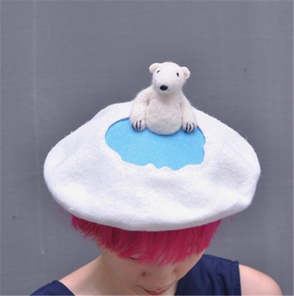 手工羊毛毡diy创意制作的三只小动物可爱帽子