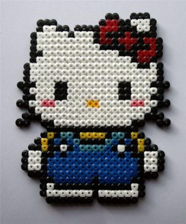 手工创意拼豆diy制作的皮卡丘和萌萌哒的凯蒂猫作品